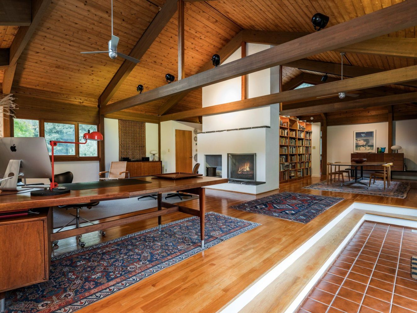 Spacious home images with vaulted ceiling showcasing grand and wonderful home design Image 31