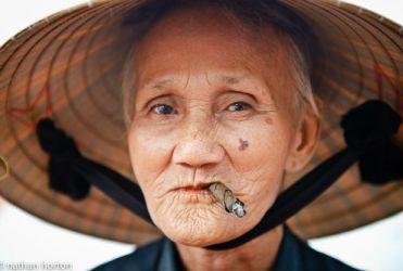 perempuan tua moyang