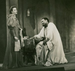Paul Robeson as Othello. Folger Shakespeare Library.