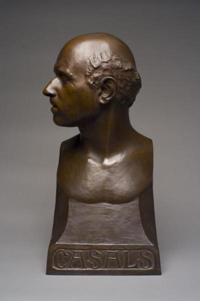 Bronze bust of a man