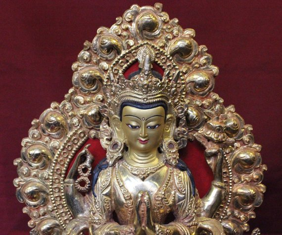 chenrezig buddha statue full gold with parwa 3