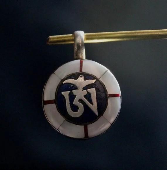 Tibetan Om Mani Padme Hum Pendant 925 Silver Lapis And Conch Shell