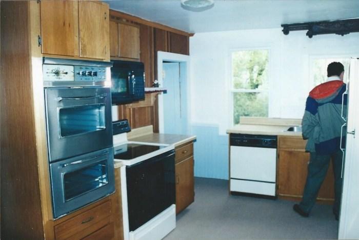 kitchen 115 double oven 001