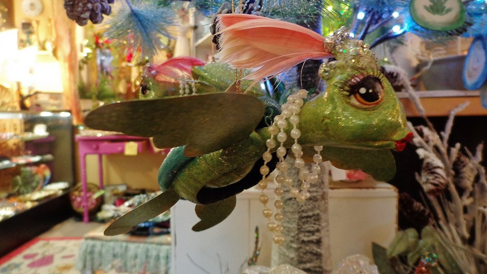 Nodding headed turtle ornament at Moonvine on Shalavee.com