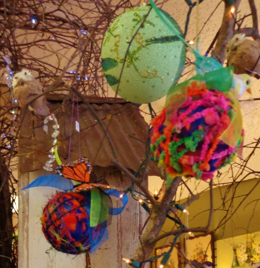 Yarn ball ornaments at Moonvine on Shalavee.com