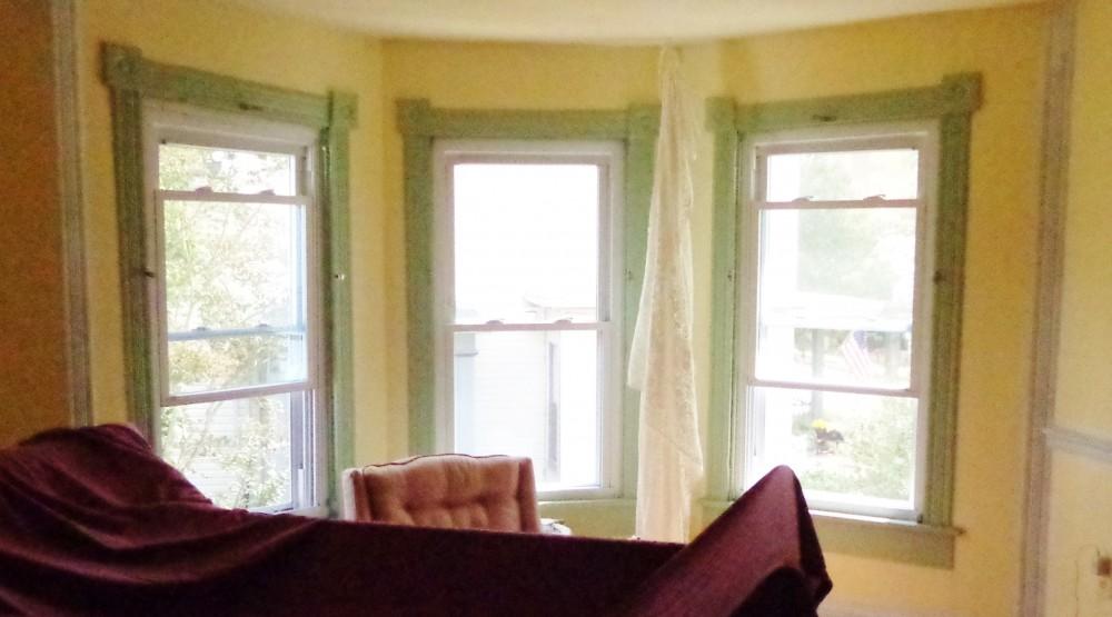 bay windows in Fiona's room on Shalavee.com