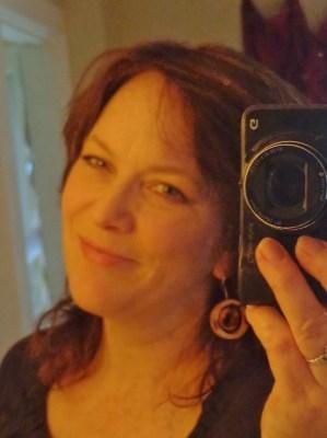 Mirror selfie on shalavee.com