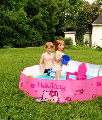 Fiona and that face in the hello kitty pool on Shalavee.comon