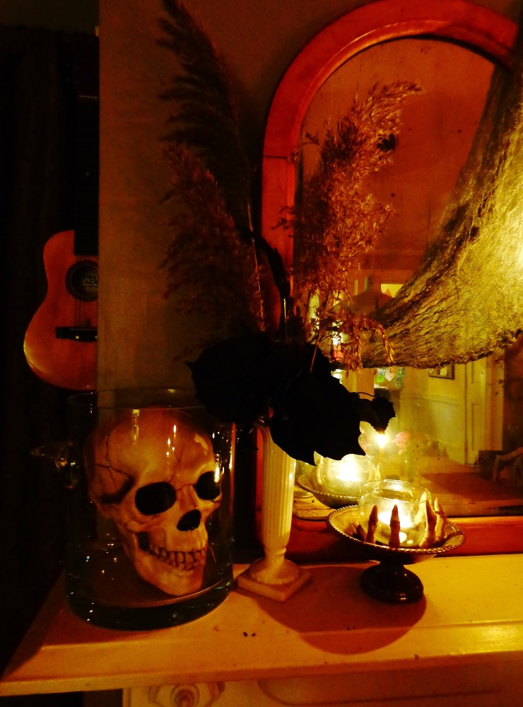 left side of Halloween mantle on Shalavee.com