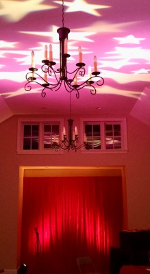 Red curtain and purple ceiling with stars on Shalavee.com