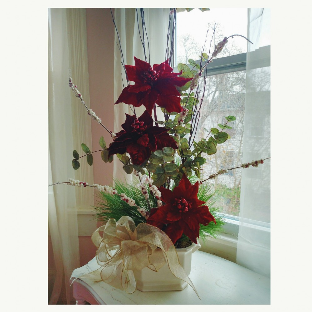 Christmas floral design for December on Shalavee.com
