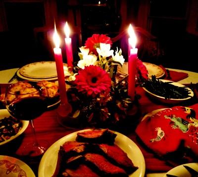Christmas dinner table on Shalavee.com