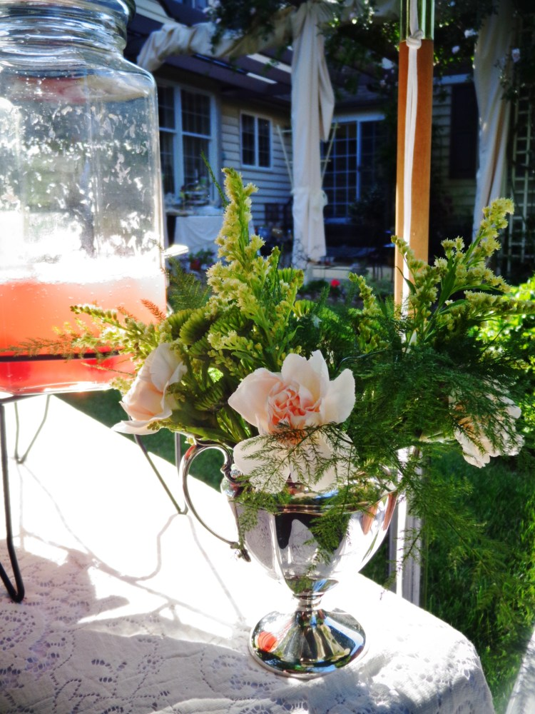 Florals and lemonade on Shalavee.com