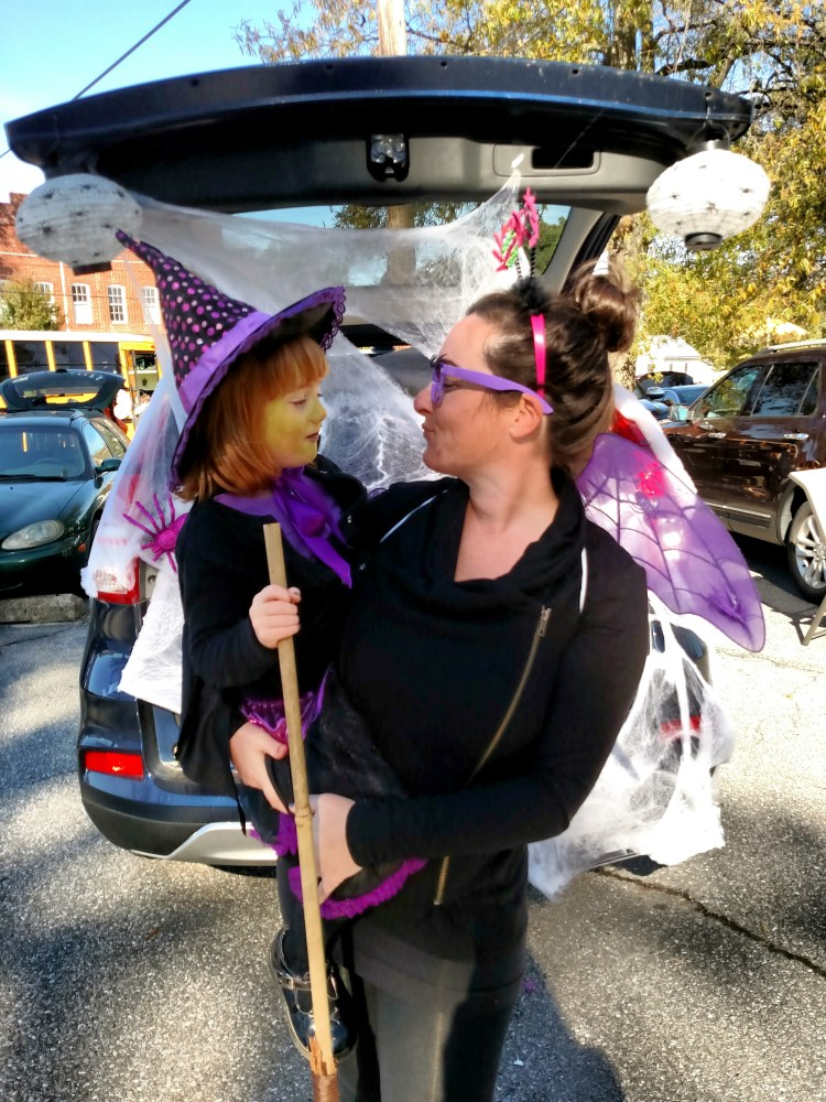 fiona-and-juliet-at-the-trunk-or-treat