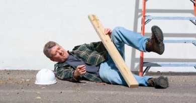 Injured construction worker fallen off ladder OSHA compliance