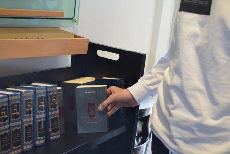 School replaces aging Artscroll siddurim with new Koren-Sacks