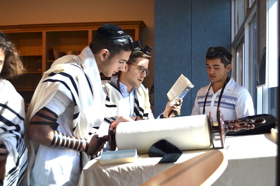 The Torah by heart: Students lain professionally in local shuls
