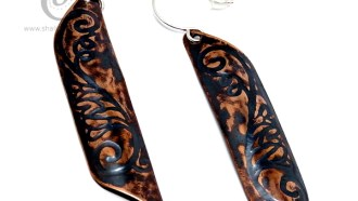 Antique finish elegant, long copper earrings (7.5 cm)