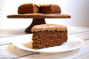 Pumpkin cake with cinnamon cream cheese frosting #vegan #glutenfree #oilfree