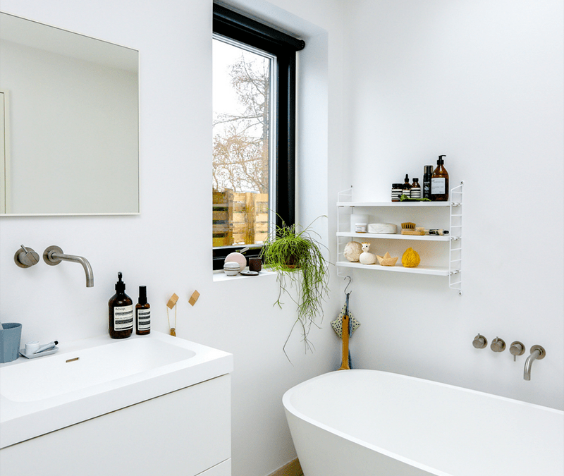 How to Declutter Your Home: The Bathroom