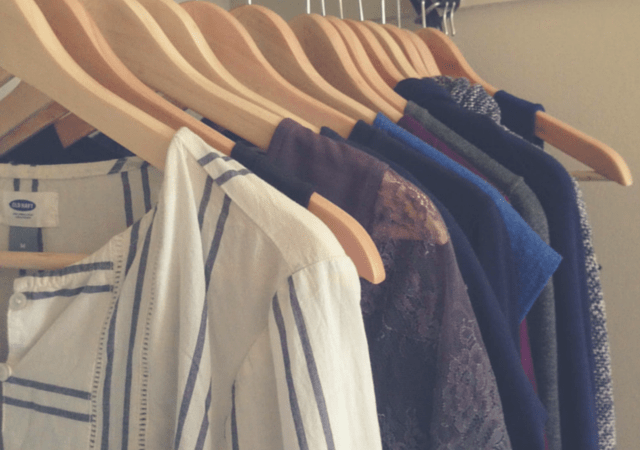 What does a capsule wardrobe look like?