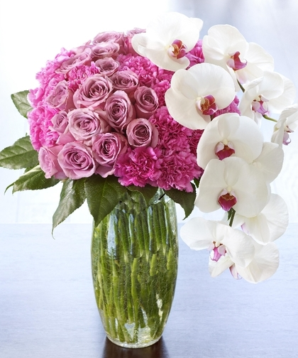pink-roses-white-orchids-#fridayfiction-floral-bouquet-dating
