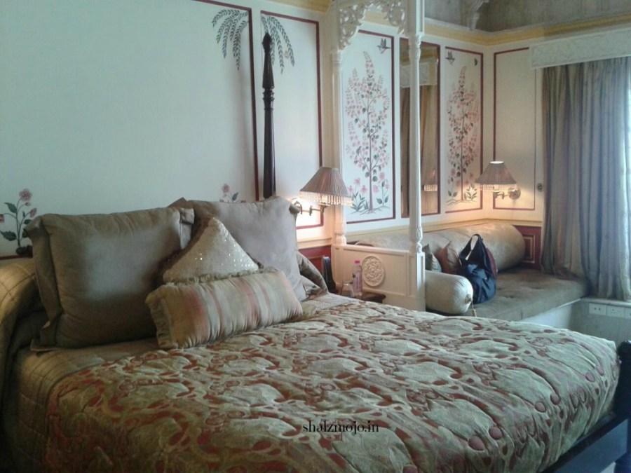 A2Z-BADGE-2017-blogging-challenge-theme-reveal-travel-stories-picture-speaks-louder-than-words-april-shalzmojosays-roadtrip-girltravel-india-ravanhattha-pushkar-musical-instrument-nomad-camel-fair-rajasthan-desert-traditional-tribal-ker-sangiri-stars-jaisalmer-golden-fort-star-trails-desert-camp-sand-dunes-Xenodocheionology-taj-lake-palace-udaipur