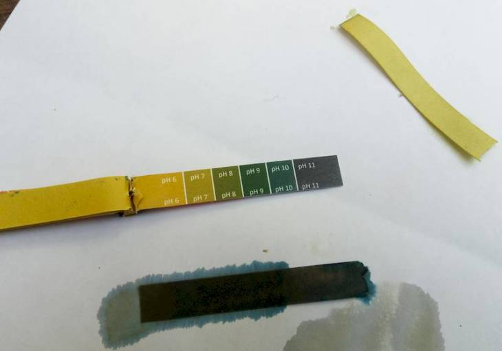 Litmus test darker than required pH9, even pH11 after soda crystals added
