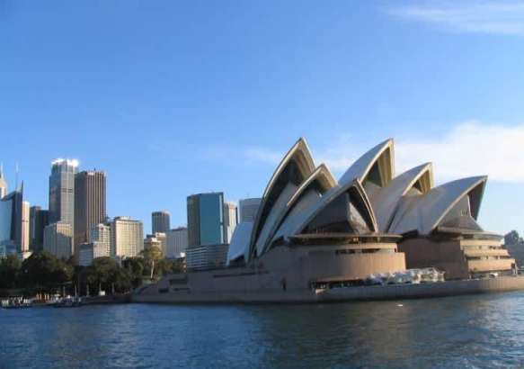 Вид на Сидней и Оперный театр.