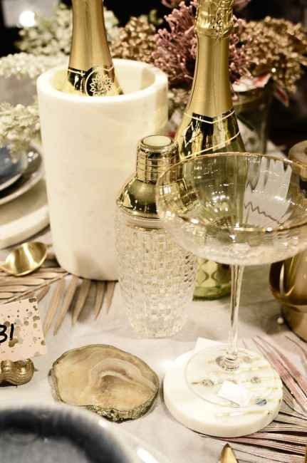 Ideas For Singles On New Year's Eve