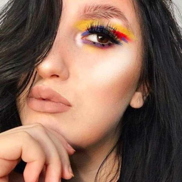 Feather-eyebrows-beauty-trend