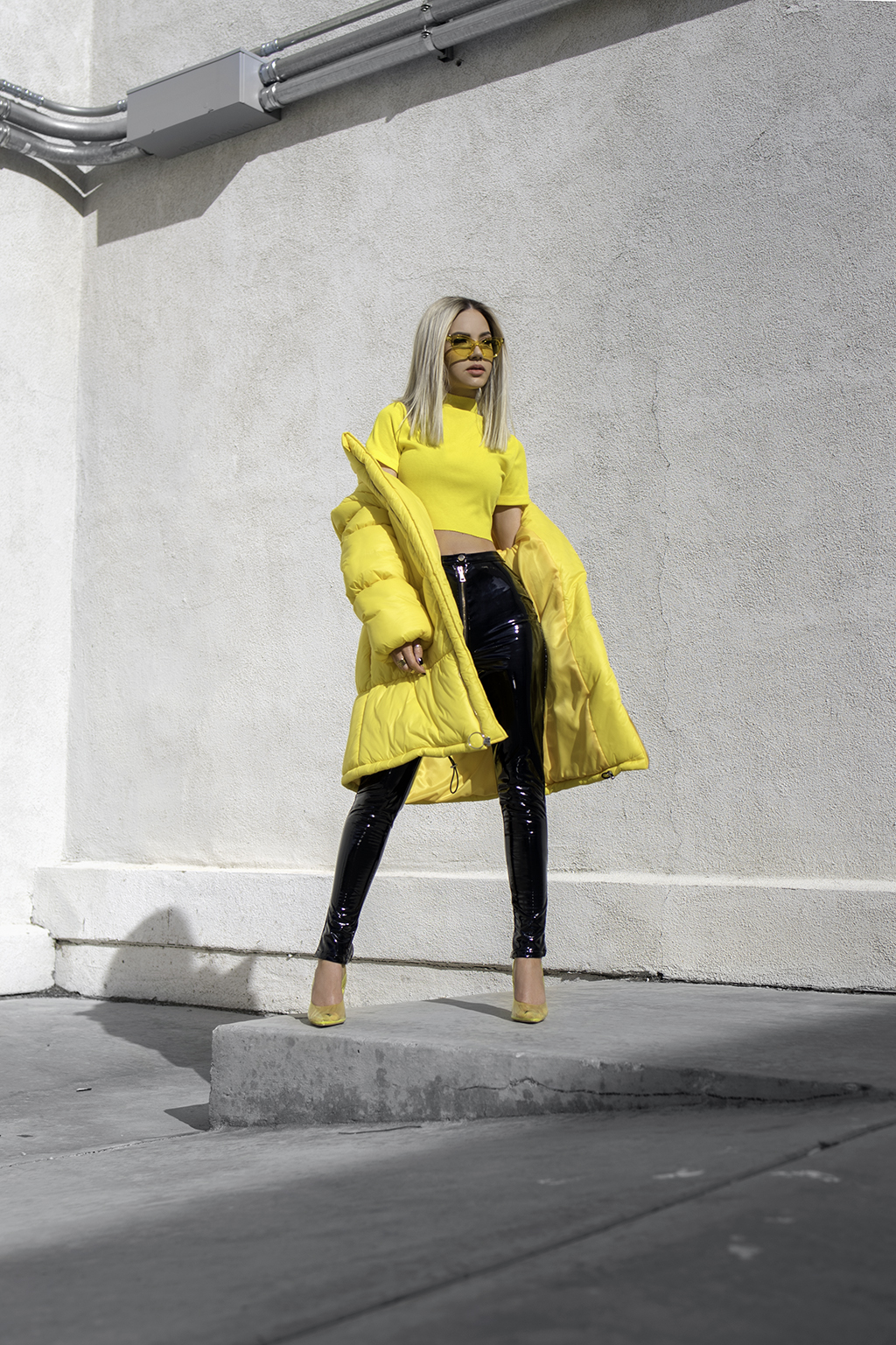 yellow kick