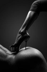 bdsm-erotik-199x300