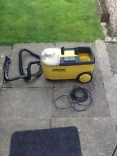 Small carpet cleaner machine