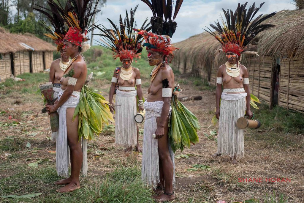 Woman tribe await the start of the Mt Hagen show, Papua New Guinea