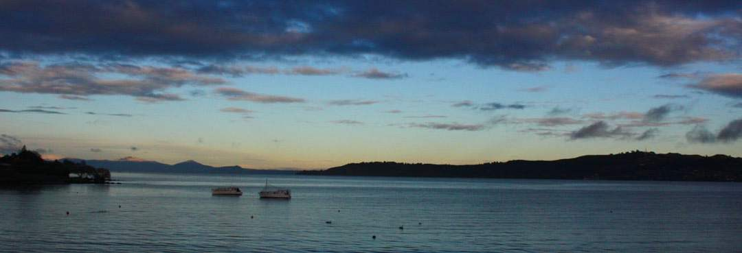 Wellington to Lake Taupo. Where to Stay, What to Do, Where to Go, Where to Eat