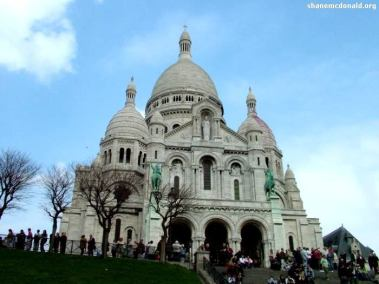 Sacré Coeur, Montmartre, Paris, France Sacré Coeur Basilica, was completed in 1914 and is located in Montmartre. It is a awe inspiring view, both inside and outside and also provides great views of the Paris skyline.