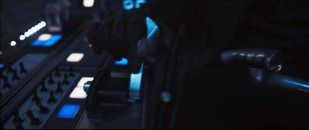 star wars solo trailer millennium falcon cockpit shift lever near switches