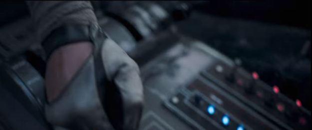 star wars solo trailer speeder cockpit 3