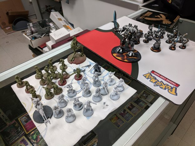 star wars legion and warhammer 40k miniatures together