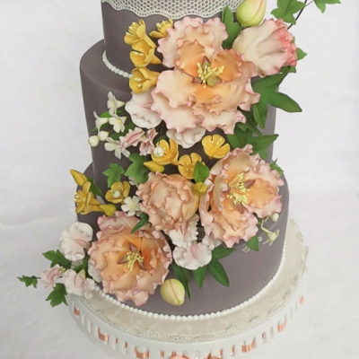 grey-peach-wedding-cake