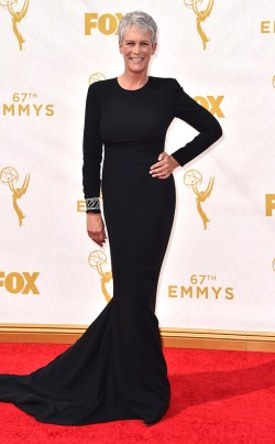 rs_634x1024-150920152541-634-jamie-lee-curtis-emmy-awards.ls.921015