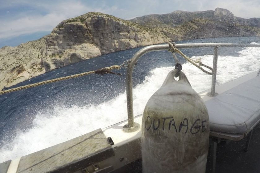 Marseille_Calanques_Boat_Outrage