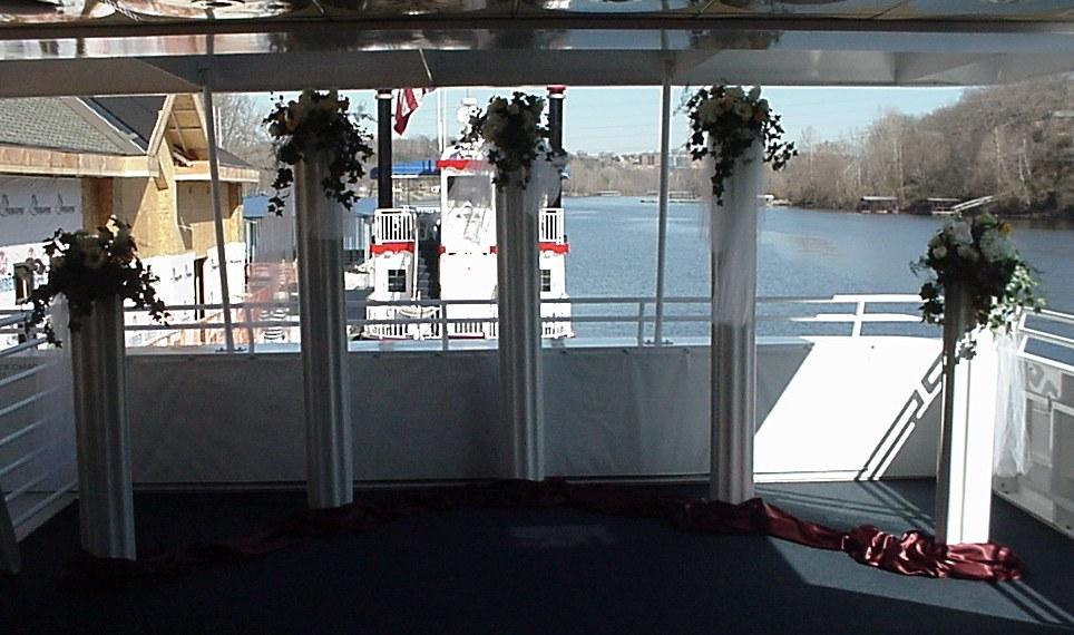 Shannons Custom Florals columns Wedding Rentals Springfield MO Eureka Springs (11)
