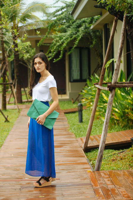 Summer outfit. Aroonsawad Riverview Resort in Prachinburi.