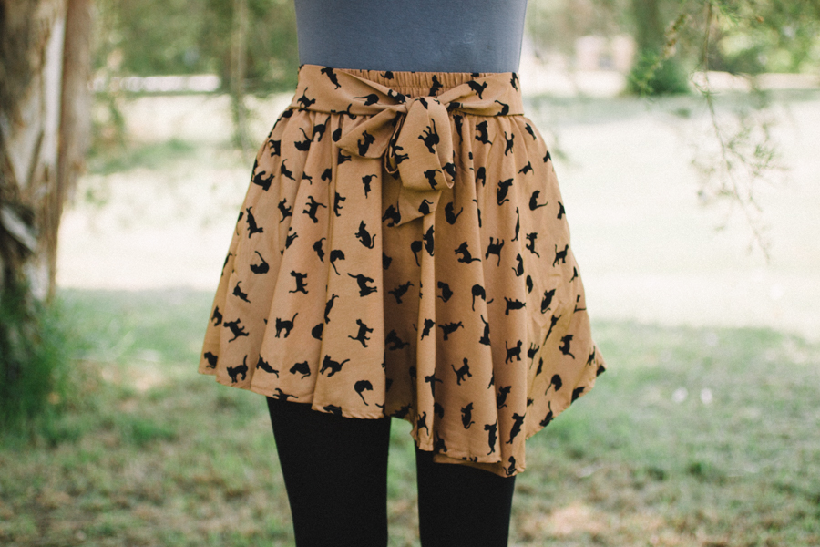 Cat print shorts with bow.