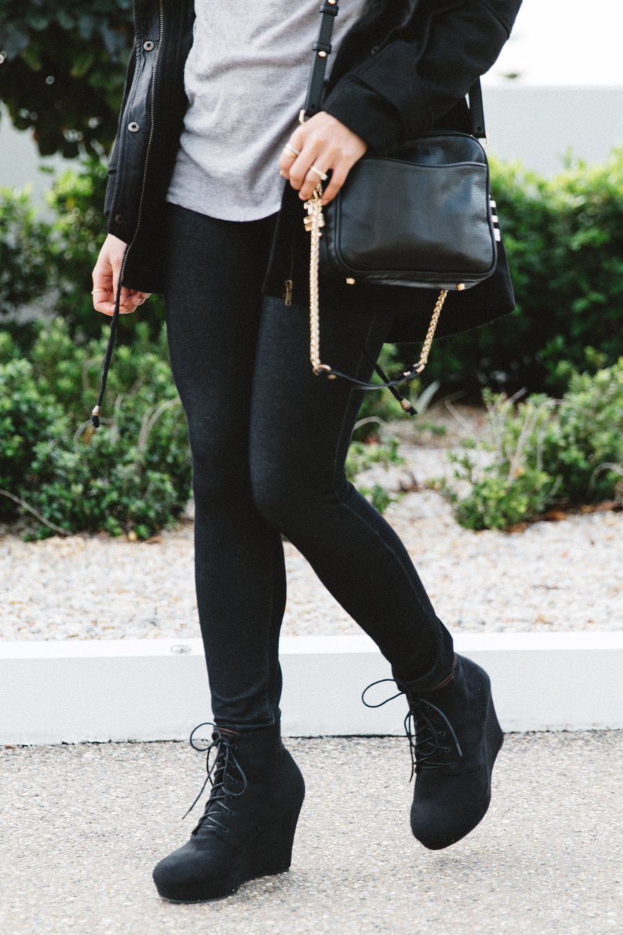 Perth winter street style. Jeggings street style with wedge boots & Dylan Kain bag.