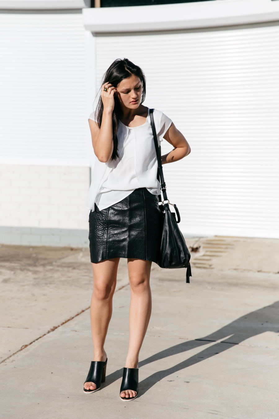 Minimalist fashion blogger outfit.