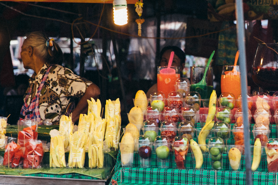 Fresh fruit ready to be juiced at จตุจักร the weekend market.