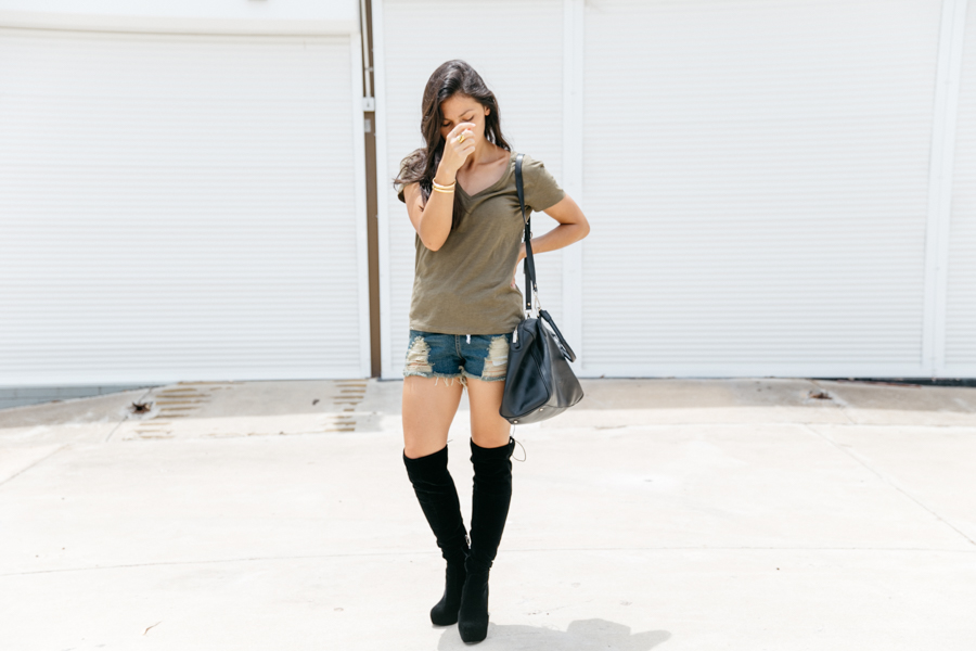 Black over the knee boots in suede from Light In The Box.